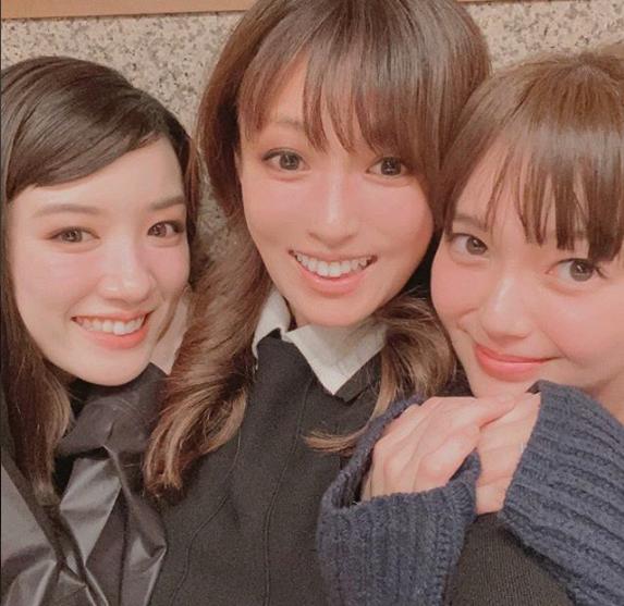 UQ三姉妹の写真が最強【深田恭子さんの公式インスタグラム】